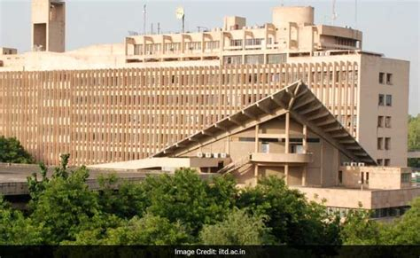 Iitd Mba by Iit Delhi To Rev Curriculum To Prevent Student