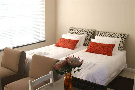 Bed And Breakfast Black by Black Bed And Breakfast Stellenbosch