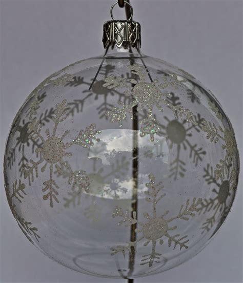 weihnachtskugeln aus glas mit wei 223 en verzierungen - Durchsichtige Weihnachtskugeln