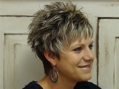 medium lo hairstyles for round faces over 60 short hairstyles for over 60 with round faces hair