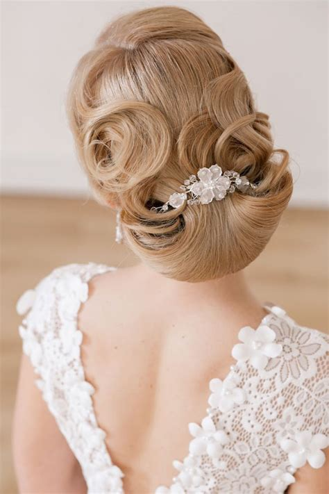 Wedding Updo Hairstyle Magazine by Fabulous Wedding Hairstyles Bridal Updos The Magazine