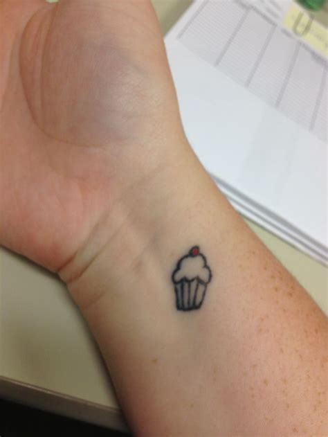 small cupcake tattoo 132 best images about tatoo ideas on tiny
