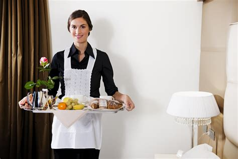 restaurant room service 5 hotel room service on the things they wish guests wouldn t do evening
