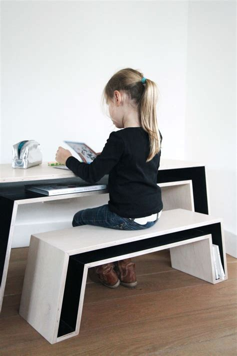 Kid At Desk Trendy Desk Designs For The Children S Rooms