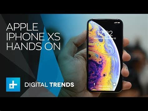 apple iphone xs on