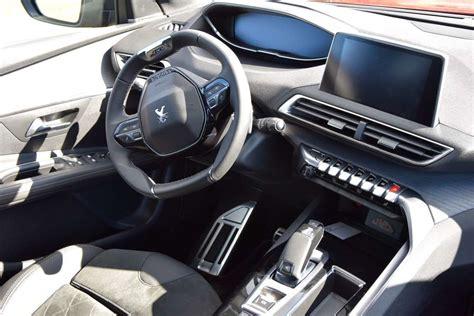 interni peugeot 3008 nuova peugeot 3008 2017 prova su strada motori e prezzi