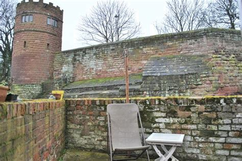 2 bedroom houses to rent in chester terraced to rent 2 bedrooms terraced ch1 property estate agents in chester chester