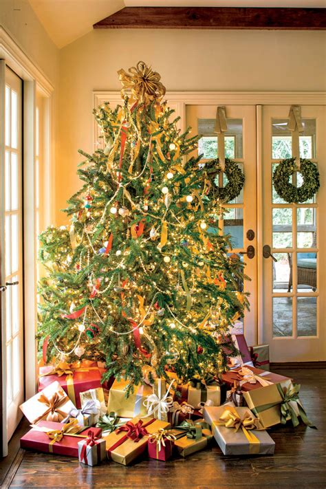living tree lights out tree decorating ideas southern living