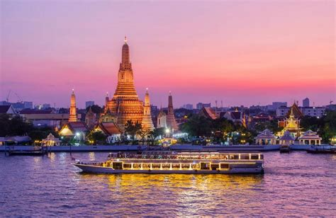 living on a boat thailand chao phraya tourist boat how to getting around bangkok
