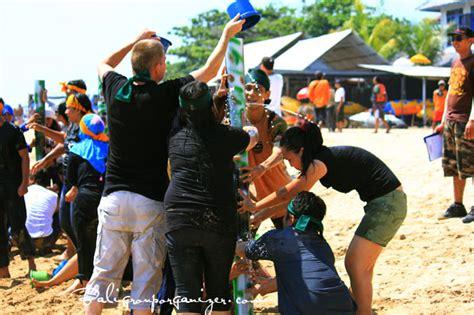 Organizr bali raft team building water tower games