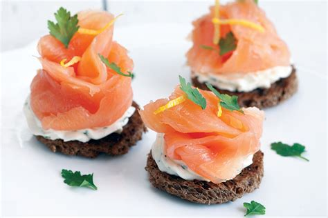 Smoked salmon with herb cheese toast   ohmydish.com