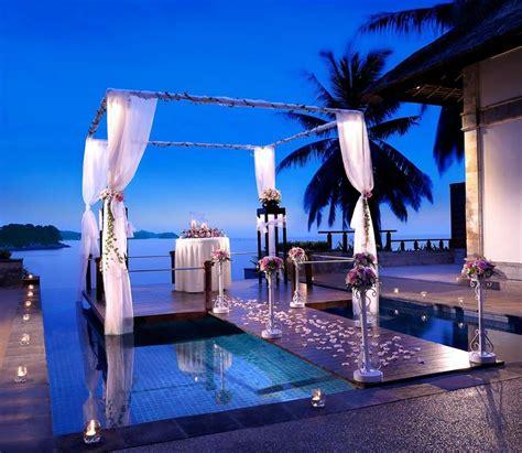 romantic villas  stilts  banyan tree bintan vacation