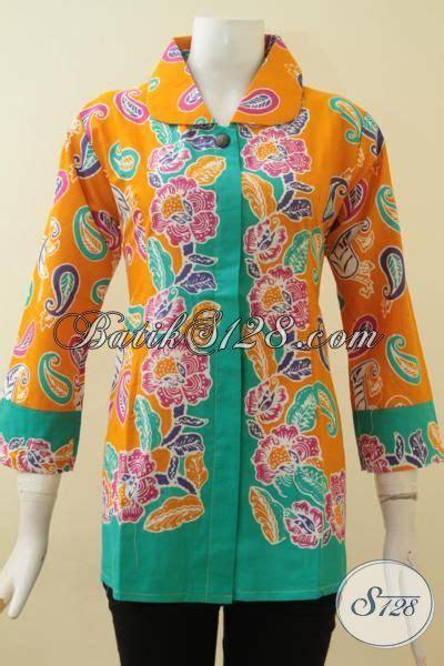Kemeja Kuning Kunyit blus batik wanita paduan warna kuning kunyit dan hijau