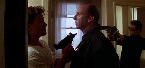 critique du film les z 233 vad 233 s de l espace allocin 233 tango cash 1989 moviezine