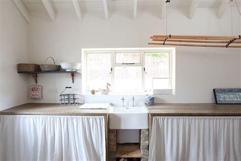 desain rak laundry 11 ide cerdik untuk memanfaatkan ruang utilitas arsitag