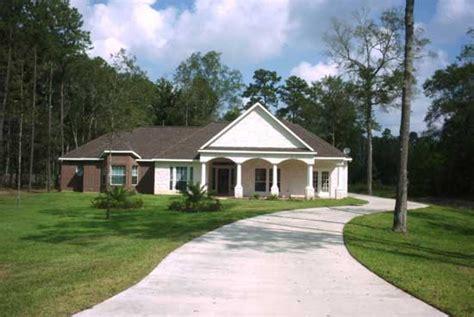 pillared home delta home builders