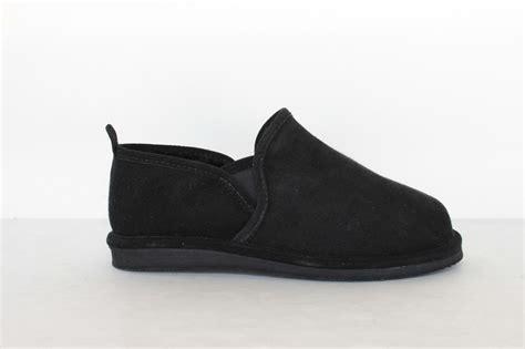 hitchcock mens sheepskin slippers 4943bk black size 5 9