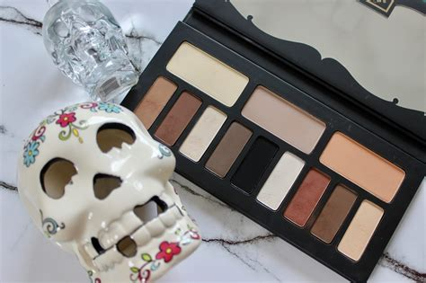 kat von d shade and light vault kat von d shade light eye contour palette irish beauty
