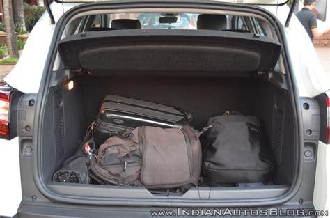 renault captur trunk renault captur luggage space indian autos blog