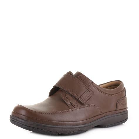 walnut shoes mens clarks turn walnut leather velcro comfort