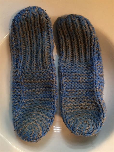 free knitting patterns for slippers beginners beginner s knitting slipper pattern identification