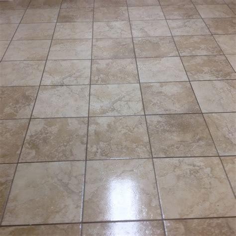 Cómo limpiar y sellar pisos de cerámicos sin esmaltar