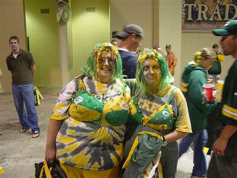 5 reasons why people love the packers and why you shouldn t editorial chicago tough