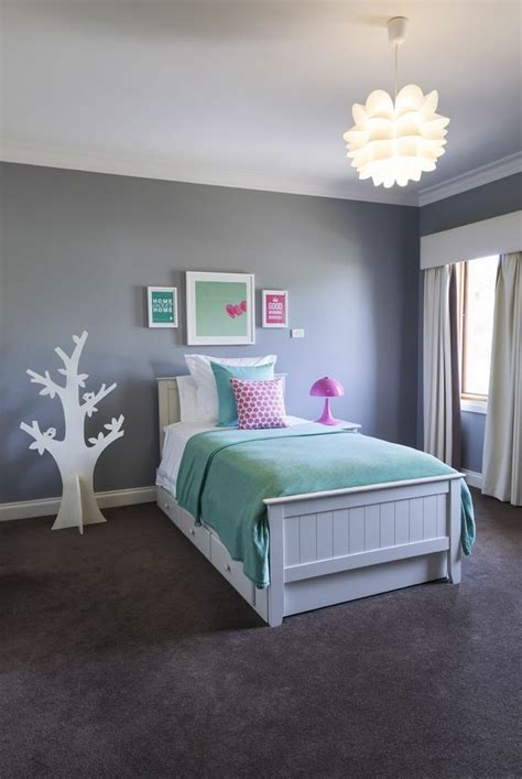 mint blue bedroom i ve just finished this cool mint and pink room for a 10