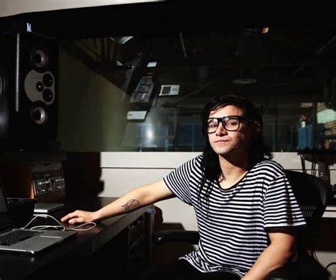 skrillex in the studio barefoot sound 187 skrillex in the studio with his minimain12s