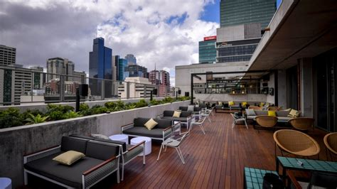 roof top bar melbourne bell landscapes qt melbourne cbd rooftop garden design