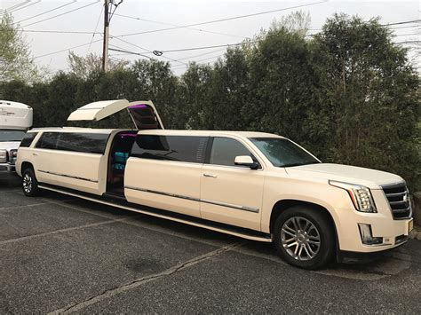 New Limousine Car by Moonlight Limo Wedding Limo Luxury Limos