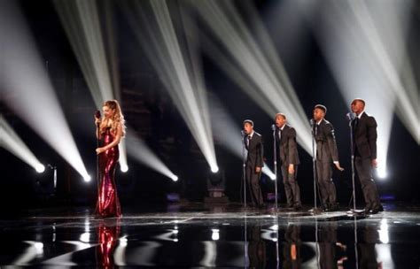 tattooed heart doo wop version american music awards 2013 ariana grande earns applause