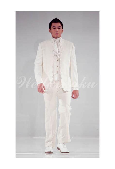 Foto Baju Melayu Pria model jas pengantin berwarna putih untuk prosesi pemberkatan weddingku