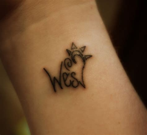 names on wrist tattoos designs cool name wrist ideas ideas pictures