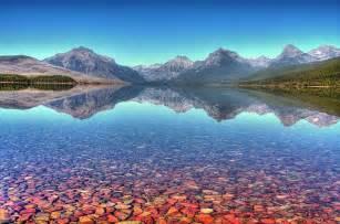 lake mcdonald montana colored rocks 10 destinos nos estados unidos que voc 234 ainda n 227 o conhece