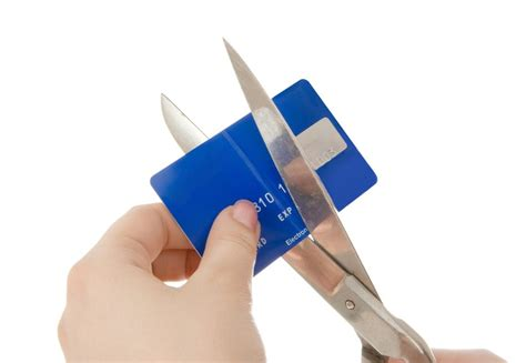 can you cancel a credit card and still make payments 4 times when you should cancel your credit card