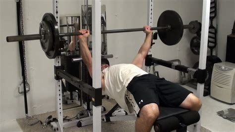 bench press movement chest exercise tip overcoming deceleration inhibition on