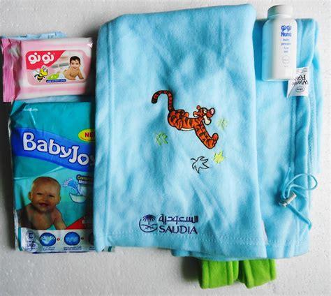 Baby Bag Organizer Karakter Mickey Disney Biru Muda 2 In 1 baru selimut mewah dari kabin etihad airways pas buat