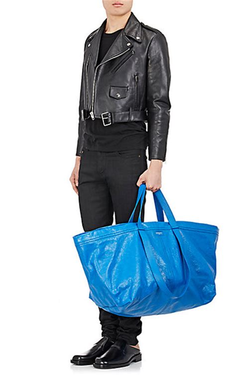 Carry A Bag Shopping In Style Hippyshopper by Balenciaga S New 2610 Handbag Looks Like An Ikea Shopping Bag