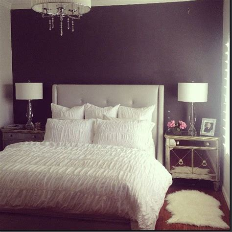 25 best ideas about mirrored bedroom furniture on the 25 best mirrored furniture ideas on pinterest