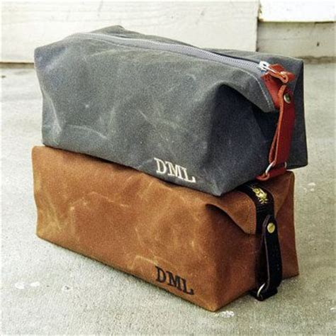 Mens Vanity Bag by 25 Best Ideas About Cool Bracelets For Guys On Paracord Uses Flip Flop Show And