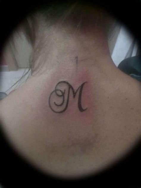 tatuaggi iniziali lettere tatuaggi piccoli con le iniziali