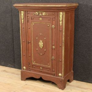 armadietto in inglese armadi antichi 900 armadi antichi mobili antichi