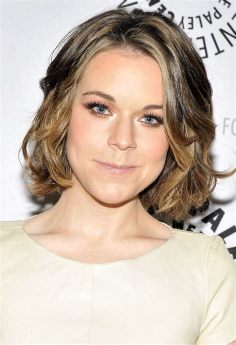 bob hairstyle for large jaw tina majorino haircut cute jaw length bob hairstyle bob