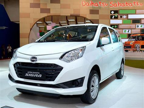 Promo Busi Ngk Daihatsu Gran Max 1 3 K3de 1 3cc 07 Dcpr7ea 9 Qb 32k R penjualan daihatsu sigra terlaris di maret 2018 berita otomotif mobil123