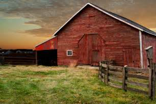 A Barn Barn At Sunset Re Magazine