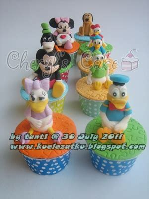 kue ulang  anak cupcake birthday cake mickey