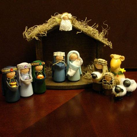 Handcrafted Nativity Set - nativity set 11 pieces including stable nativity sets