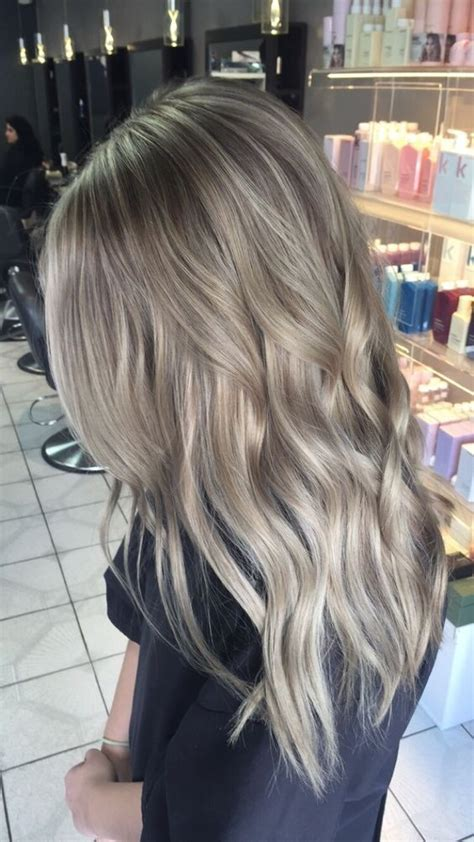 10 Adorable Ash Blonde Hairstyles to Try: Hair Color Ideas