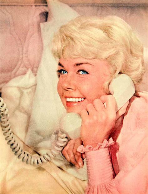 what color is doris days natural hair 1960 color print doris day mary ann kappelhoff singer